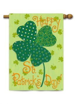 "Outdoor Decorative Garden or House Flag - St. Pat's Clover (Flag size: 28"" x 40"")"
